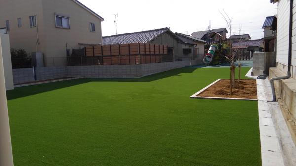 保育園への人工芝敷設工事 作業後