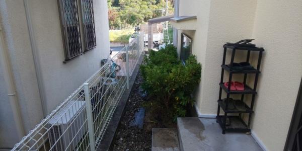大阪市此花区の住宅でヒラドツツジの植栽をした写真 施工後